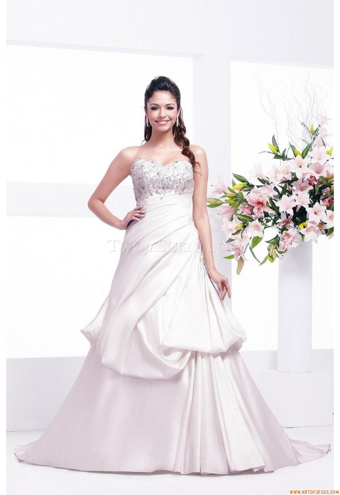 Wedding Dress Veromia VR 61110 Veromia