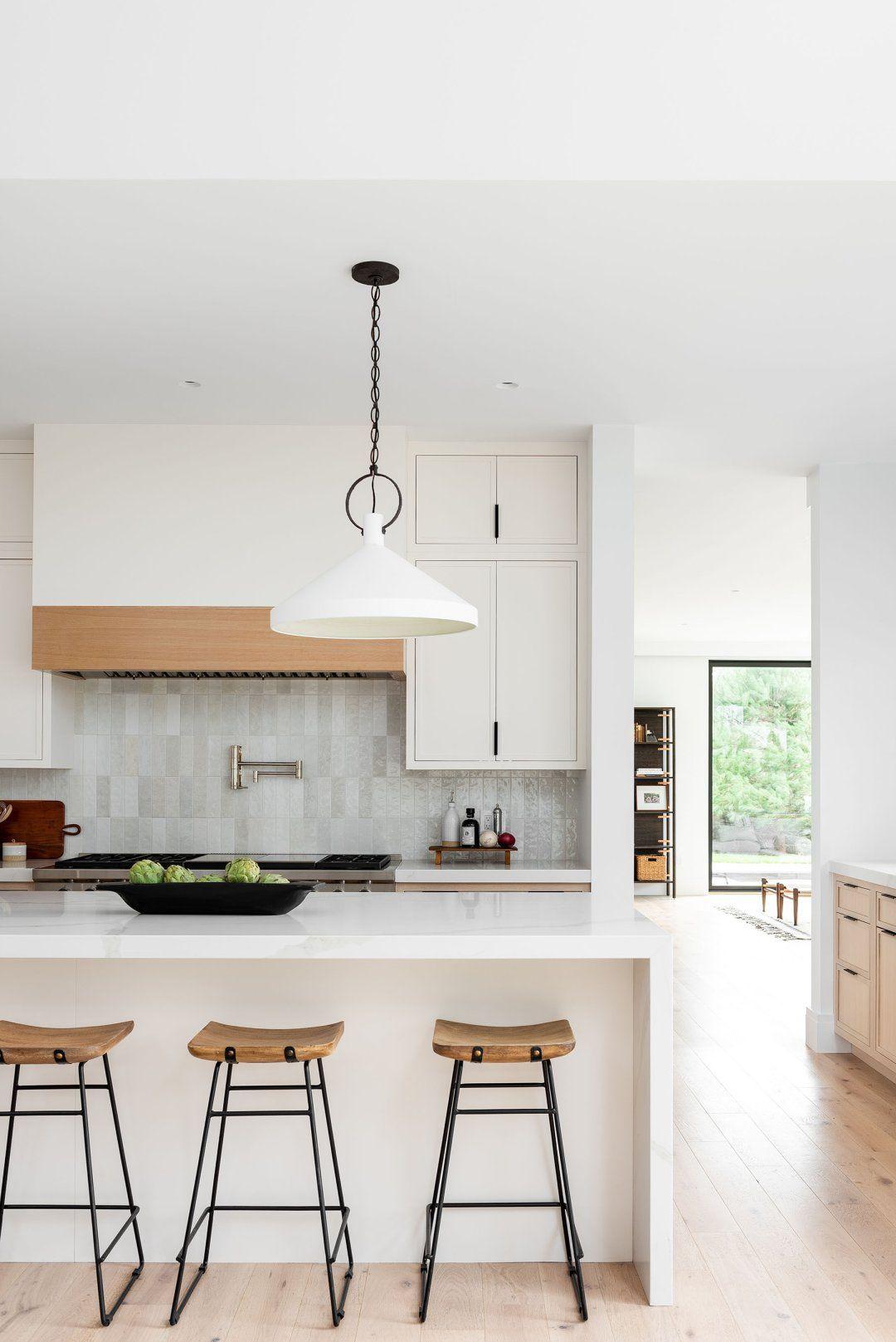 Modern & Minimal Living & Kitchen Space