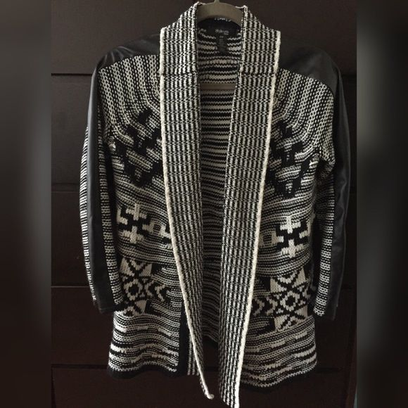 Black & white cardigan with vegan leather detail Style & co Aztec Print, Black & White Cardigan with vegan leather detail, great condition, Medium Petite, smoke Free, pet free Style & Co Sweaters Cardigans