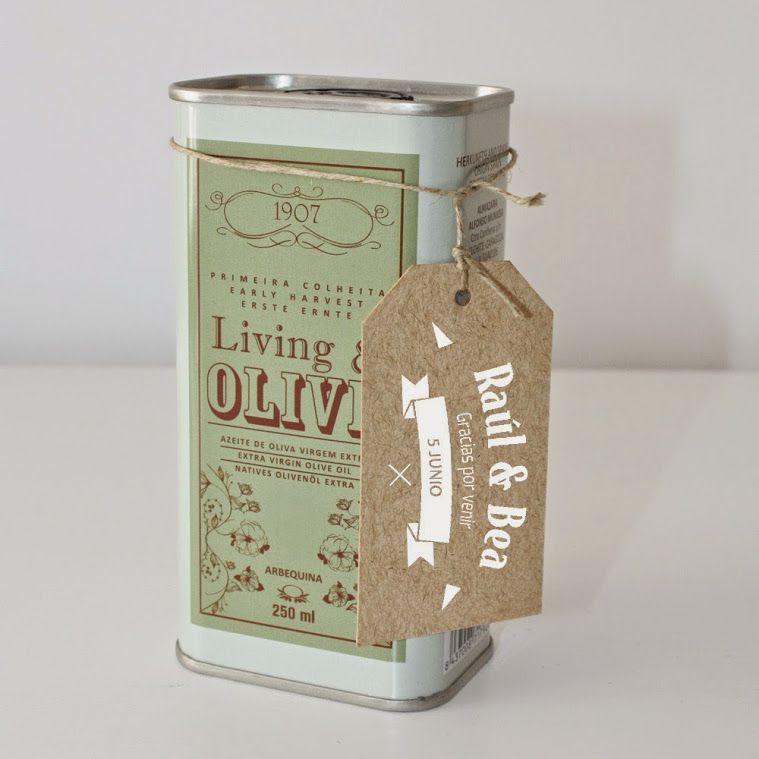 Exquisito aceite de oliva presentado en una maravillosa lata vintage.