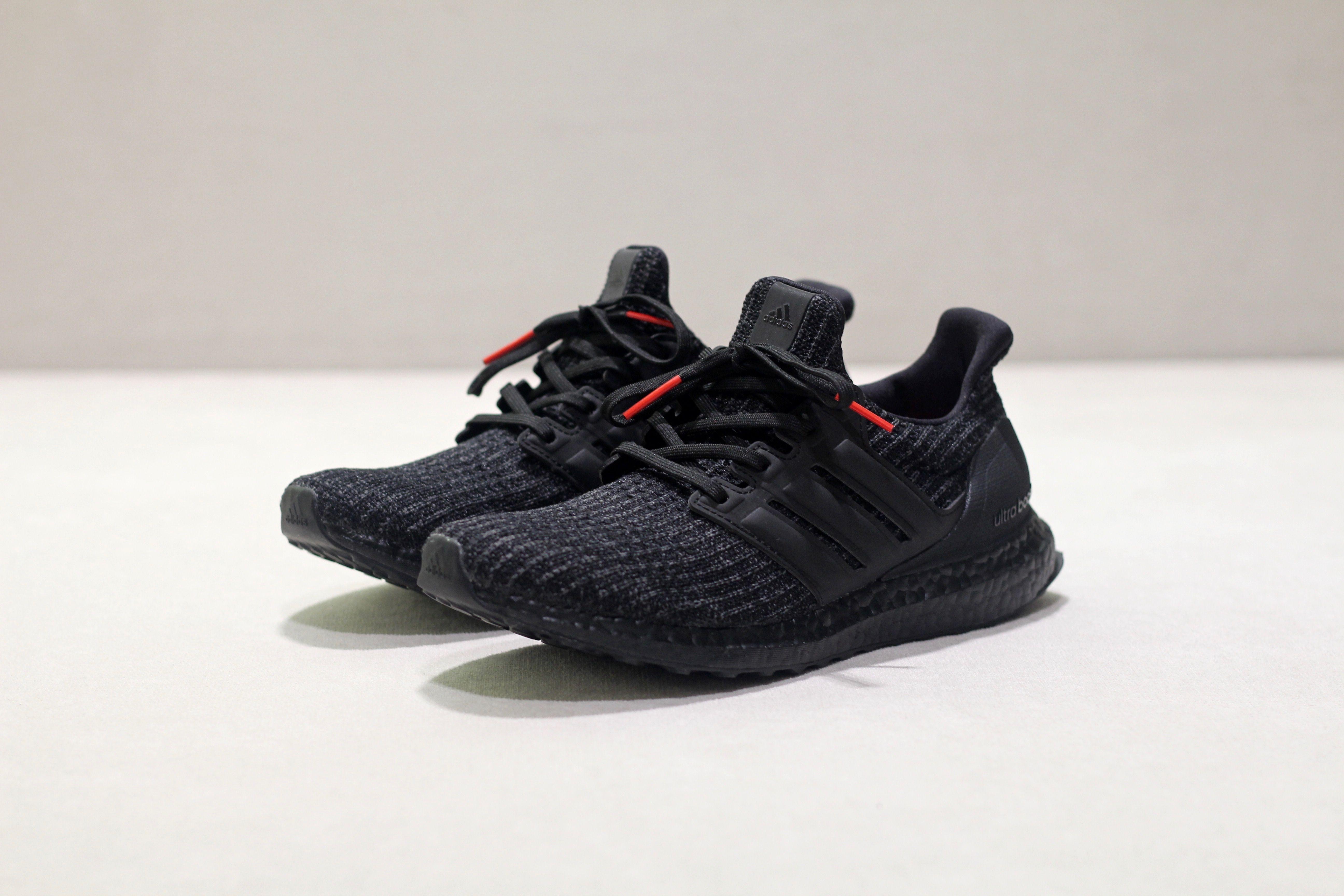 adidas Ultra BOOST Triple Black | Chaussure sport homme, Adidas ...