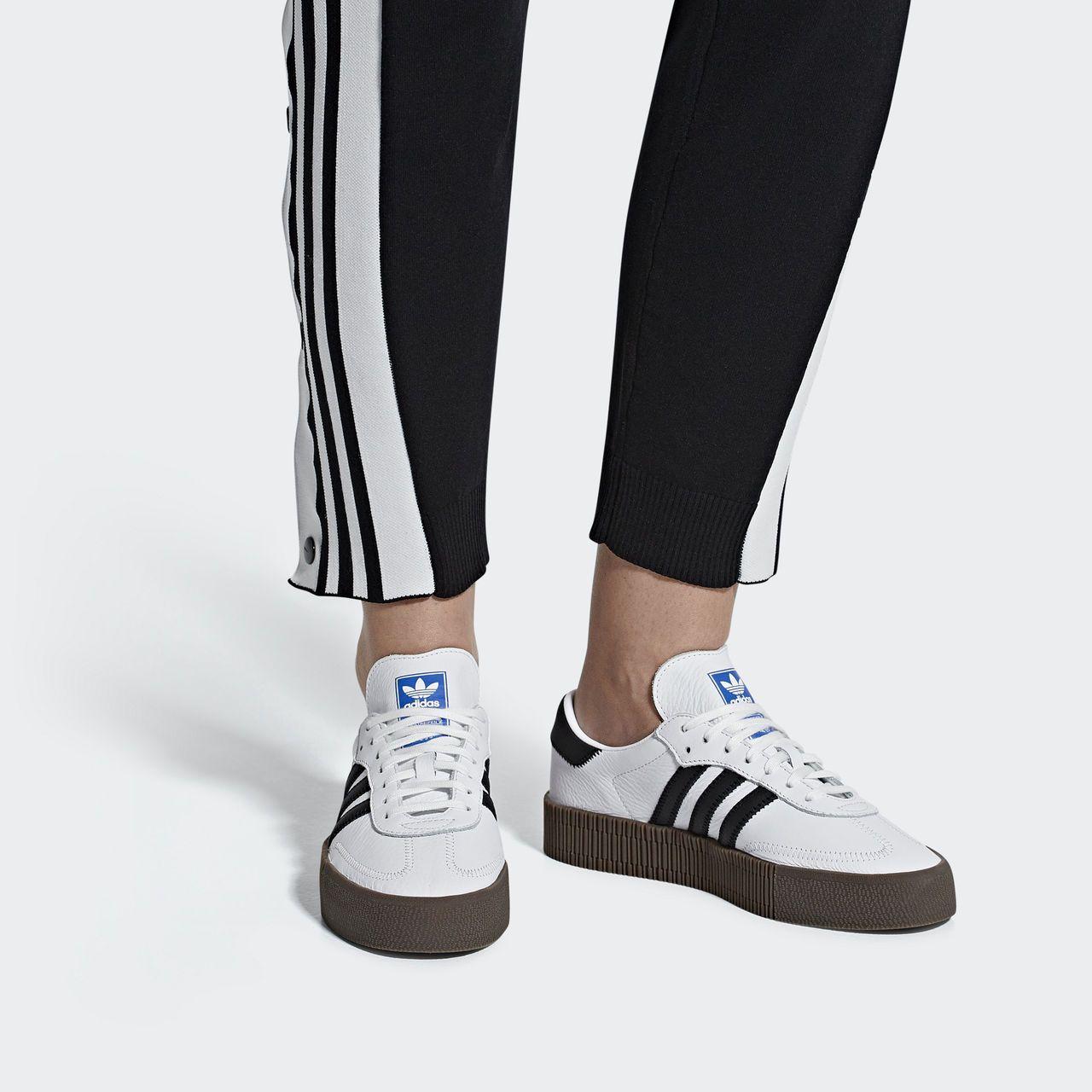 low priced 10991 ce373 adidas Кроссовки Samba Rose - белый   adidas Россия