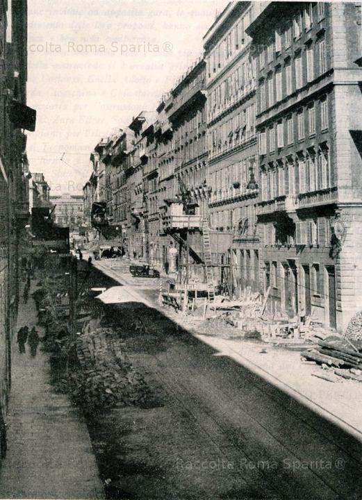 Roma Sparita - Via Cavour con i lavori per la costruzione della metropolitana. In fondo la vecchia stazione Termini.