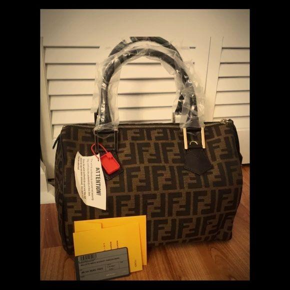 89168cdd4c9a3 Fendi Medium Zucca Canvas Boston Bag Fendi Zucca Satchel is a classic  handbag. Never been