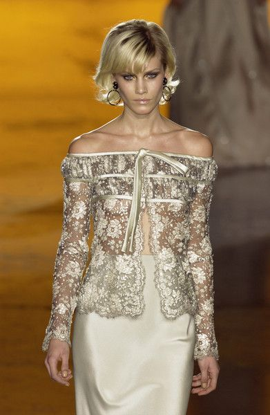 Valentino Spring 2002 Couture... I can't afford it but it's so pretty
