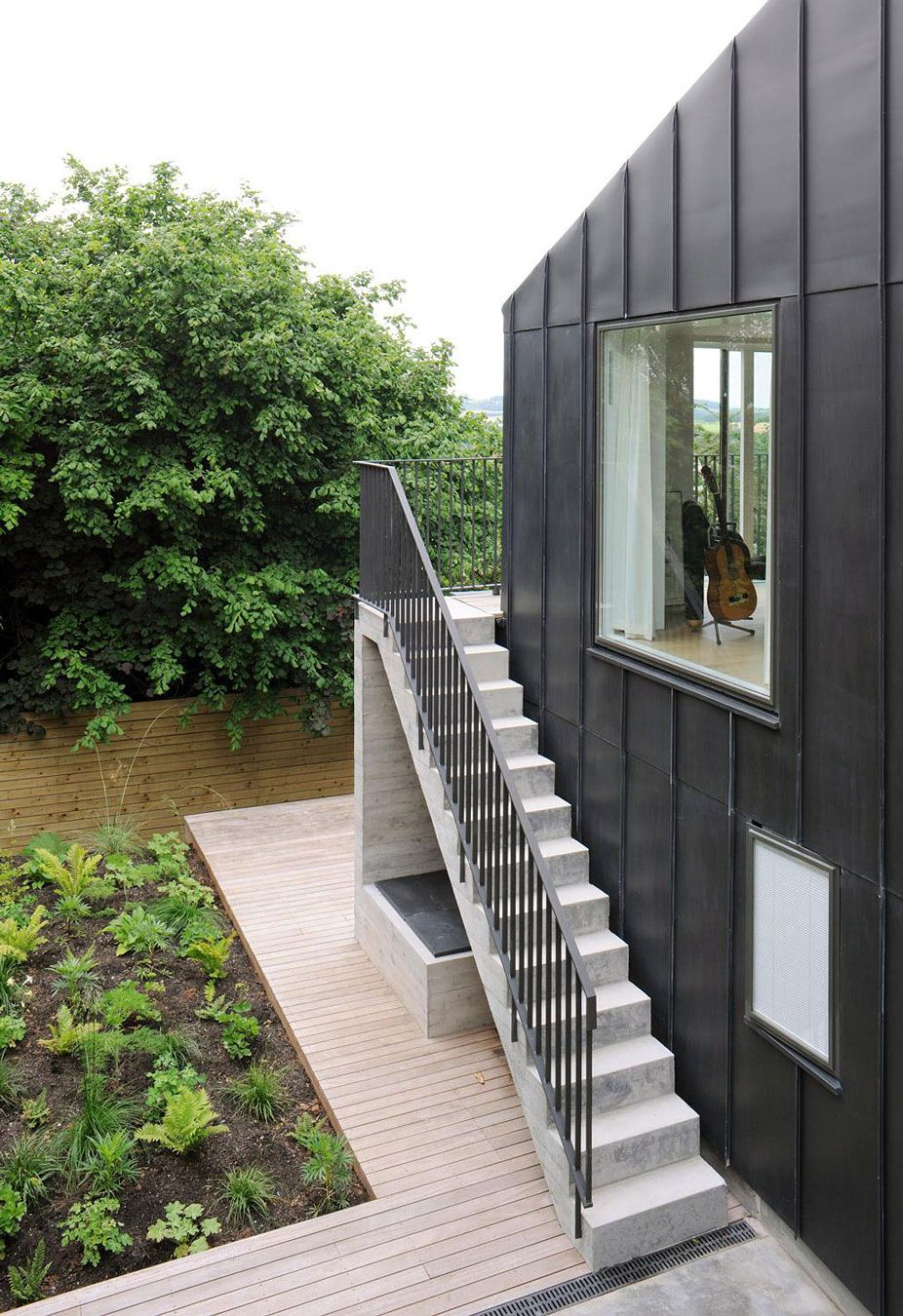 Modern Outdoor Stair Railing Designs And Ideas That   Outside Stairs For House
