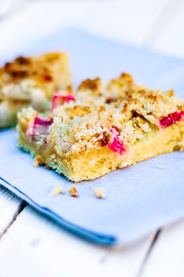 Low Carb Rhabarberkuchen Rezept In 2020 Rhabarberkuchen Rezeptideen Und Lebensmittel Mit Wenig Kohenhydrate