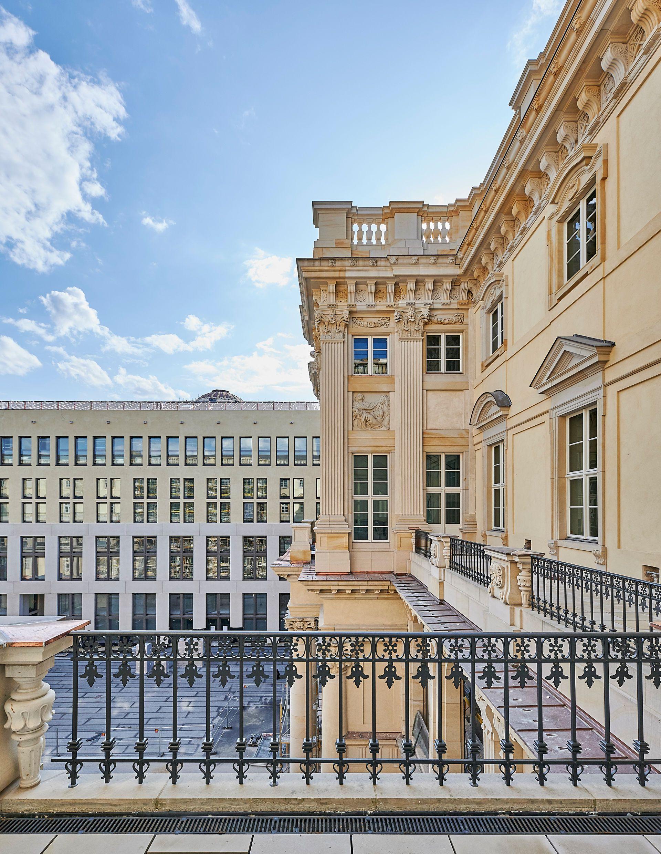Schluterhof Humboldt Forum In 2020 Berliner Schloss Deutschland Burgen Stadtschloss