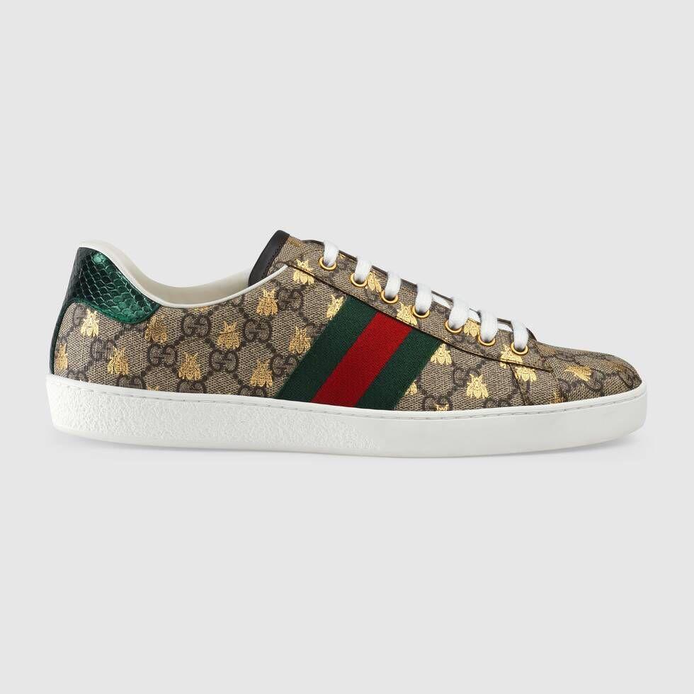 Gucci Gg Supreme Logo Cotton Blend Socks In Neutrals