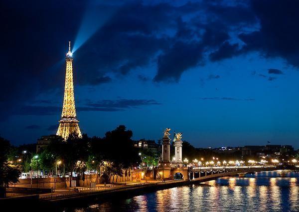 Un tour en París