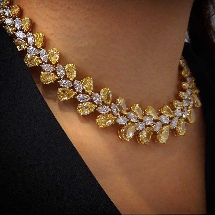 Gorgeous vivid Yellow and White Diamond necklace. Christies ...