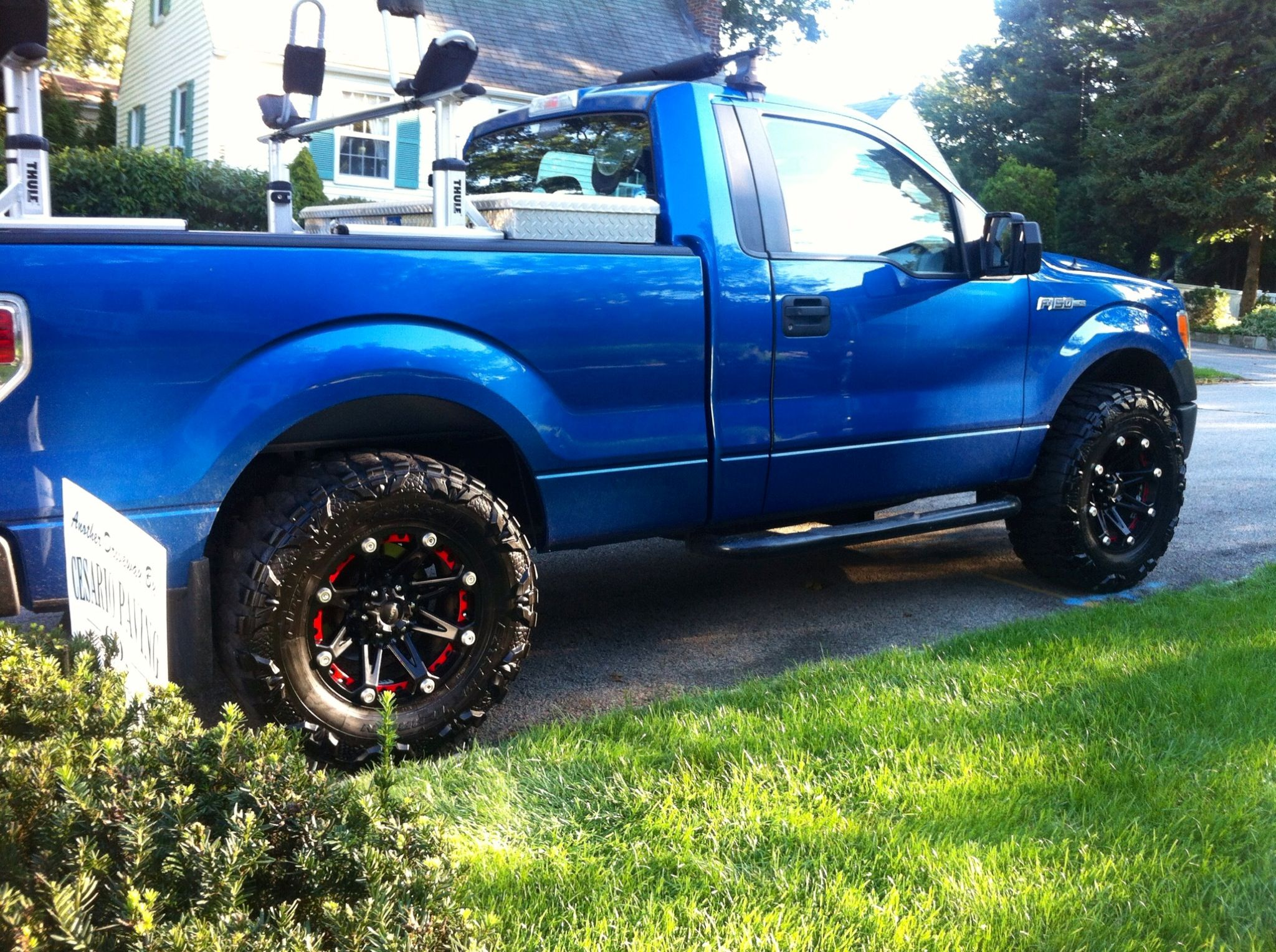 Ford F Nitto Mud Grappler Ballistic Jester Rough Country Level Kit