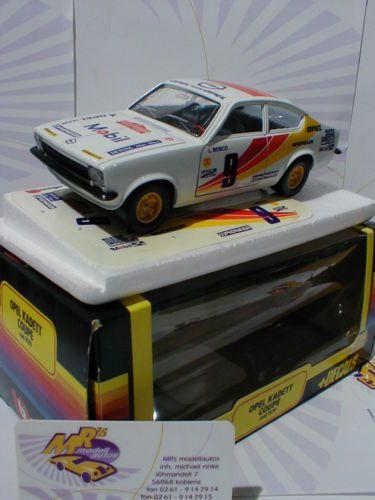 Bburago-No-9119-OPEL-Kadett-C-Coupe-Rally-in-weiss-mit-Startnummer-9-1-24-OVP