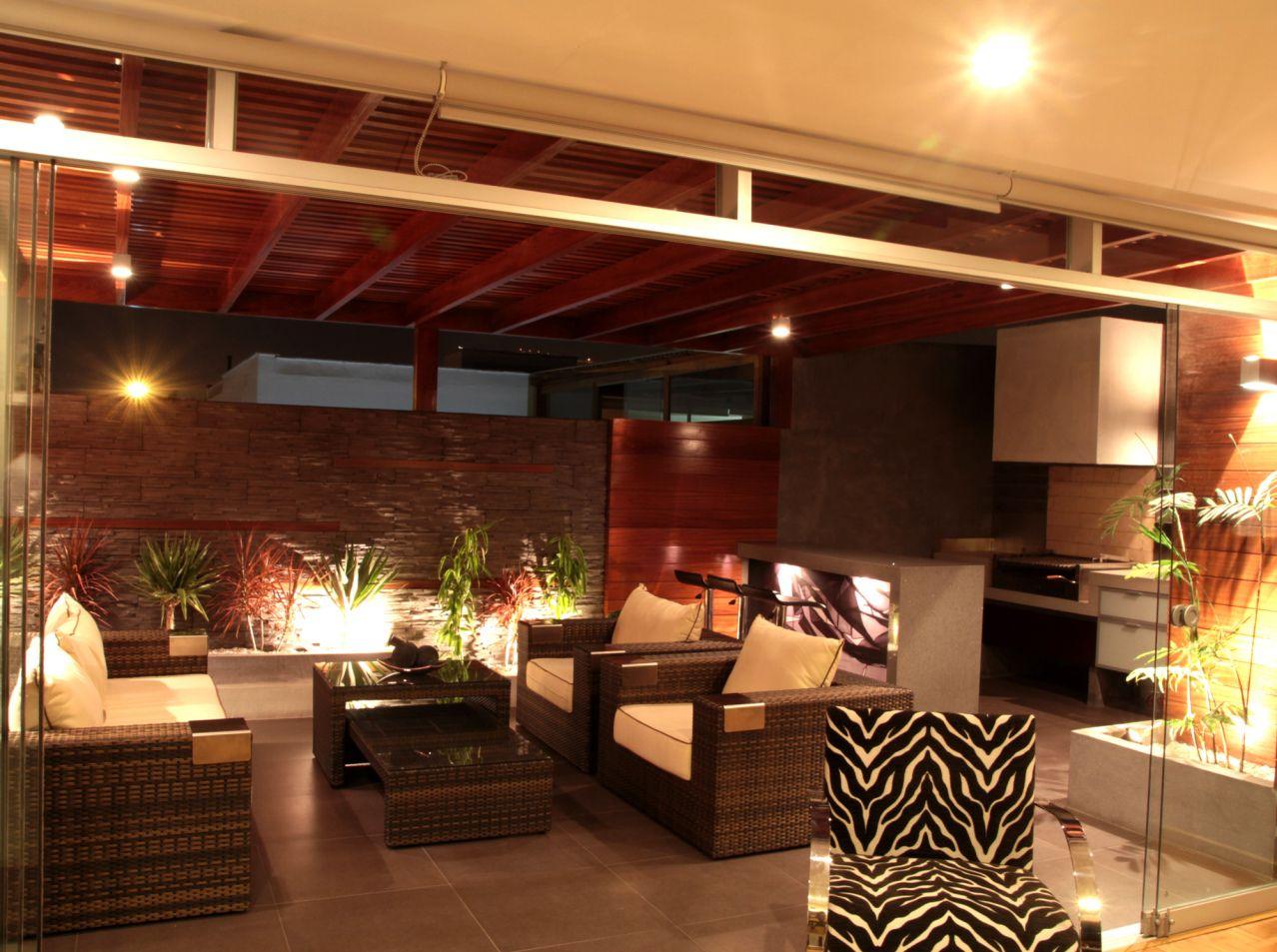 Foto cinco alianys iluminaci n iluminaci n terrazas y for Iluminacion minimalista interiores