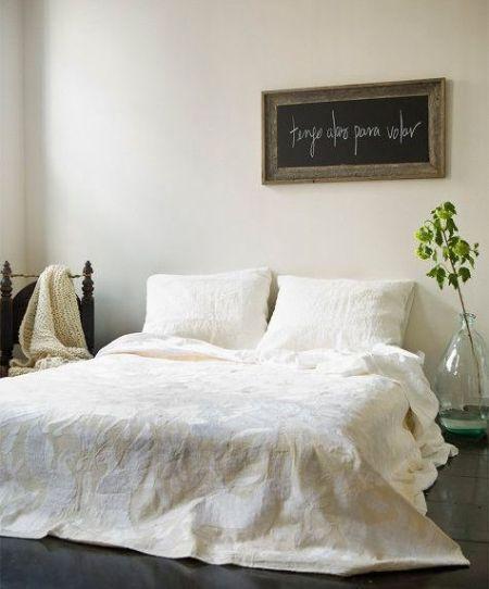 Nós adoramos quarto branco, é calmo e chic, mesmo se for despojado.