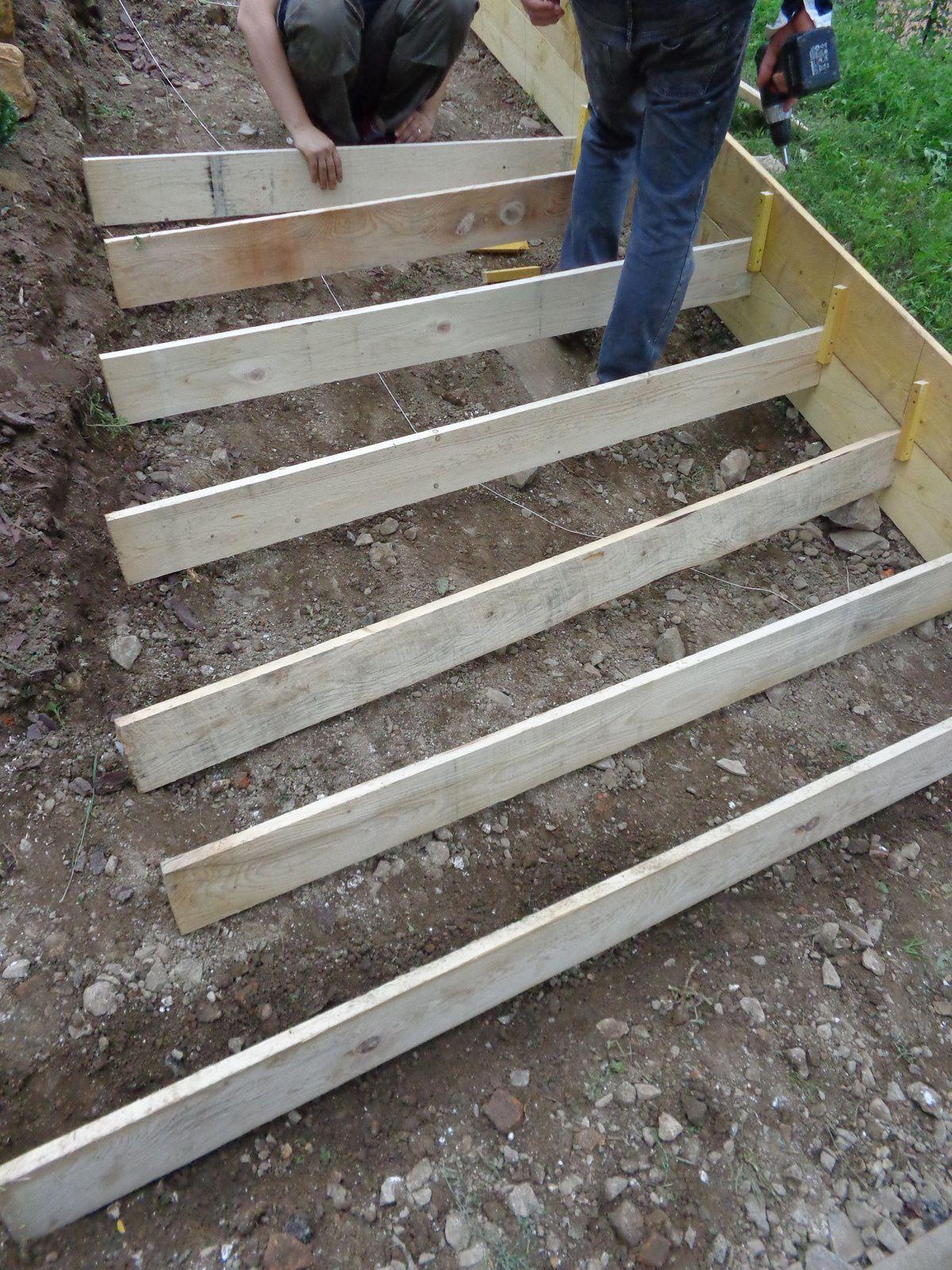 Exterieurs Escalier Renovation D Une Maison Du Beaujolais Escalier De Jardin Escalier Exterieur Beton Escalier Exterieur