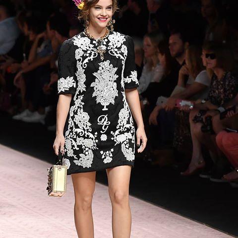 daf82d1d SEPTEMBER 23: Barbara Palvin walks the runway at the Dolce & Gabbana show  during Milan Fashion Week Spring/Summer 2019 on September 23, 2018 in  Milan, ...