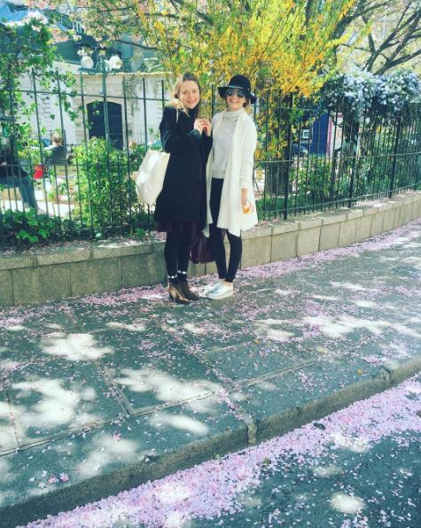 #Paris #Streetstyle #Fashionblogger #Parisstyle #Travel #Styleblogger #Style #Spring #Springstyle #Dearabbey