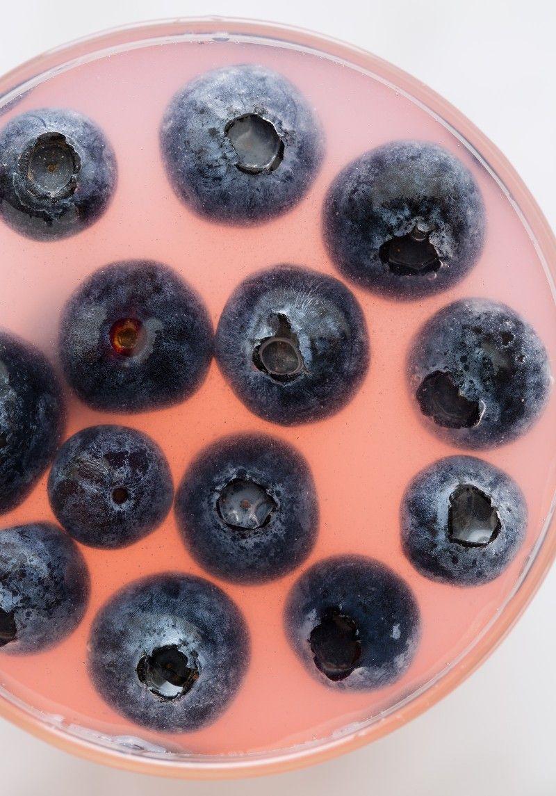 Sparkling Blueberry Lemonade close-up | Spoon Fork Bacon