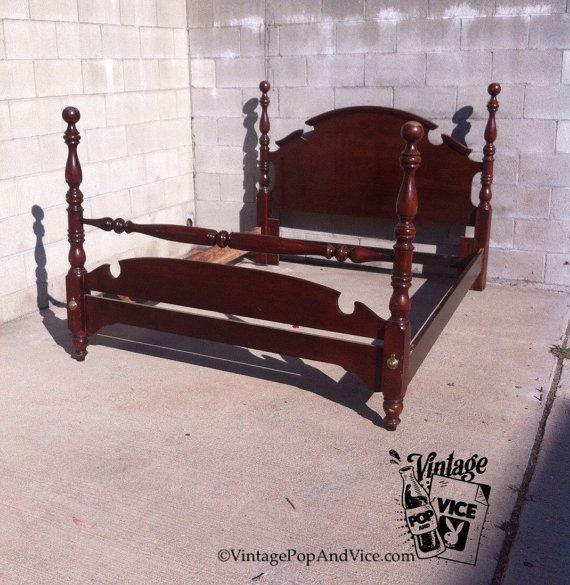 Cama con dosel cabecero de la reina cama por VintagePopandVice ...