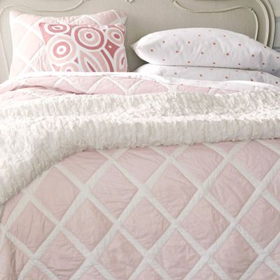 Serena & Lily Diamond Pink Quilt #bedding #bedlinens #bedcover