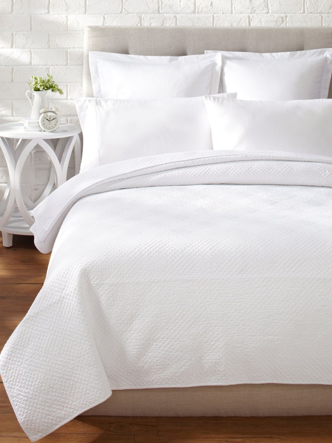 Hampton White Matelasse Quilt Home Furniture Furniture Home Decor