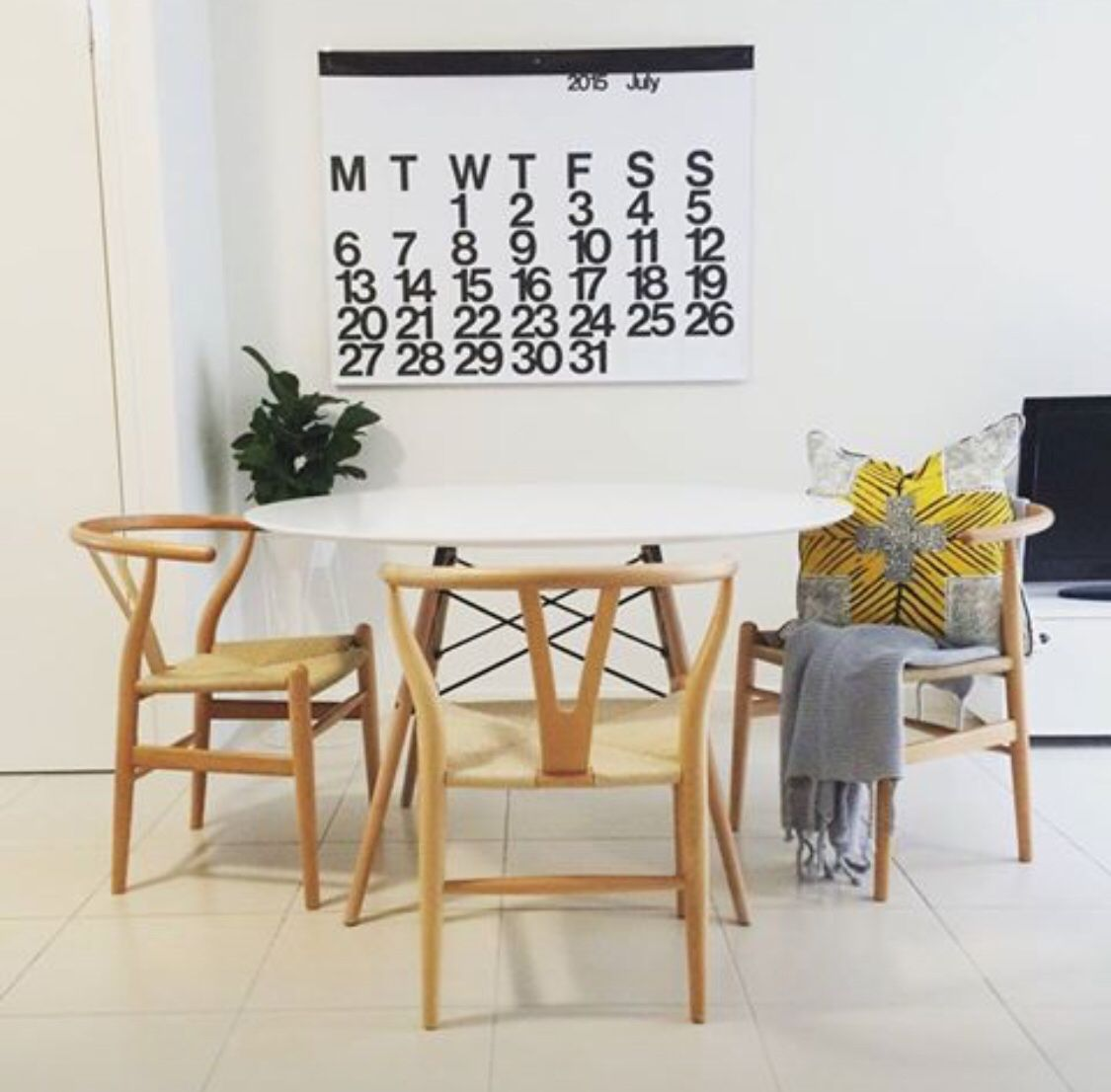 Hans Wegner Wishbone Chair   Natural Ash Timber Frame With Natural Cord Seat