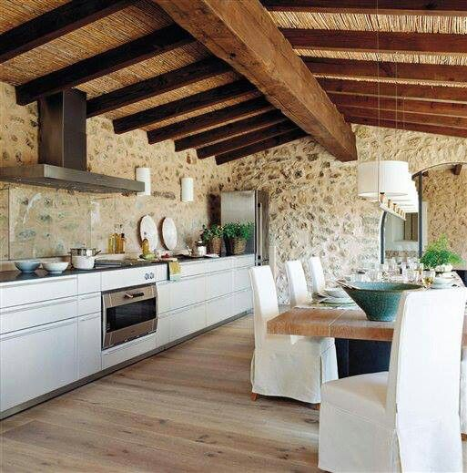 Rustic Mediterranean eat in kitchen. rustica cocina comedor | For ...