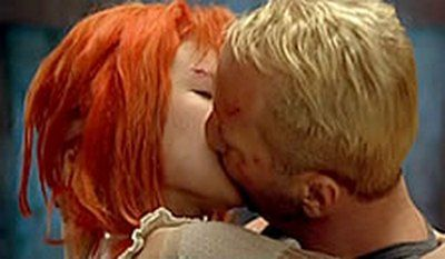 6 Weird Kiss Scenes From Movies Fifth Element Movie Kisses