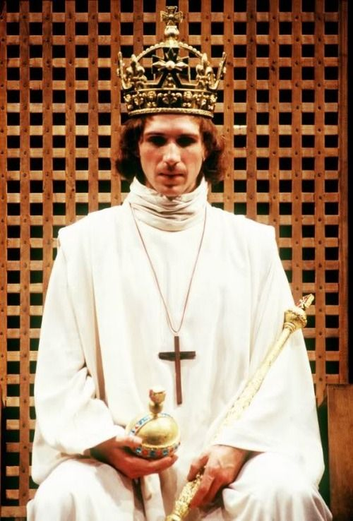 Ralph Fiennes as Henri VI, in Shakespeare's Henri VI, from a 1988 production of The Plantagenets, directed by Adrian Noble, at the Royal Shakespeare Theatre, Stradford-upon-Avon.
