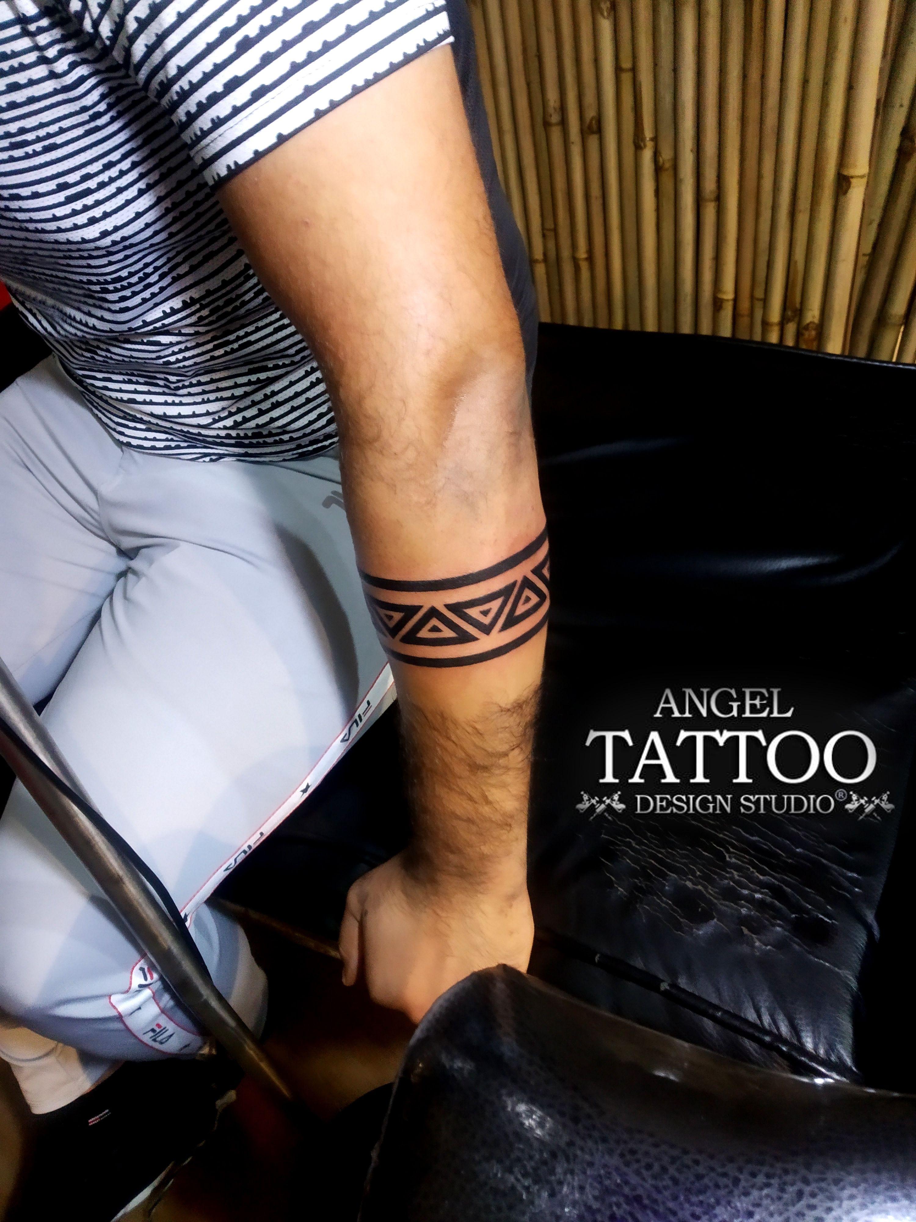 Armband Tattoo In 2020 Forearm Band Tattoos Band Tattoo Designs Wrist Band Tattoo