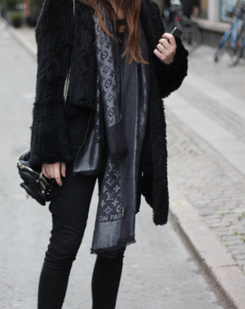 Mademoiselle Vuitton   Well dressed   Pinterest fecc89476e1