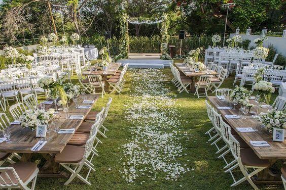 The Backyard Wedding Budget Ceremony Decorations Http Www Thebackyardwedding