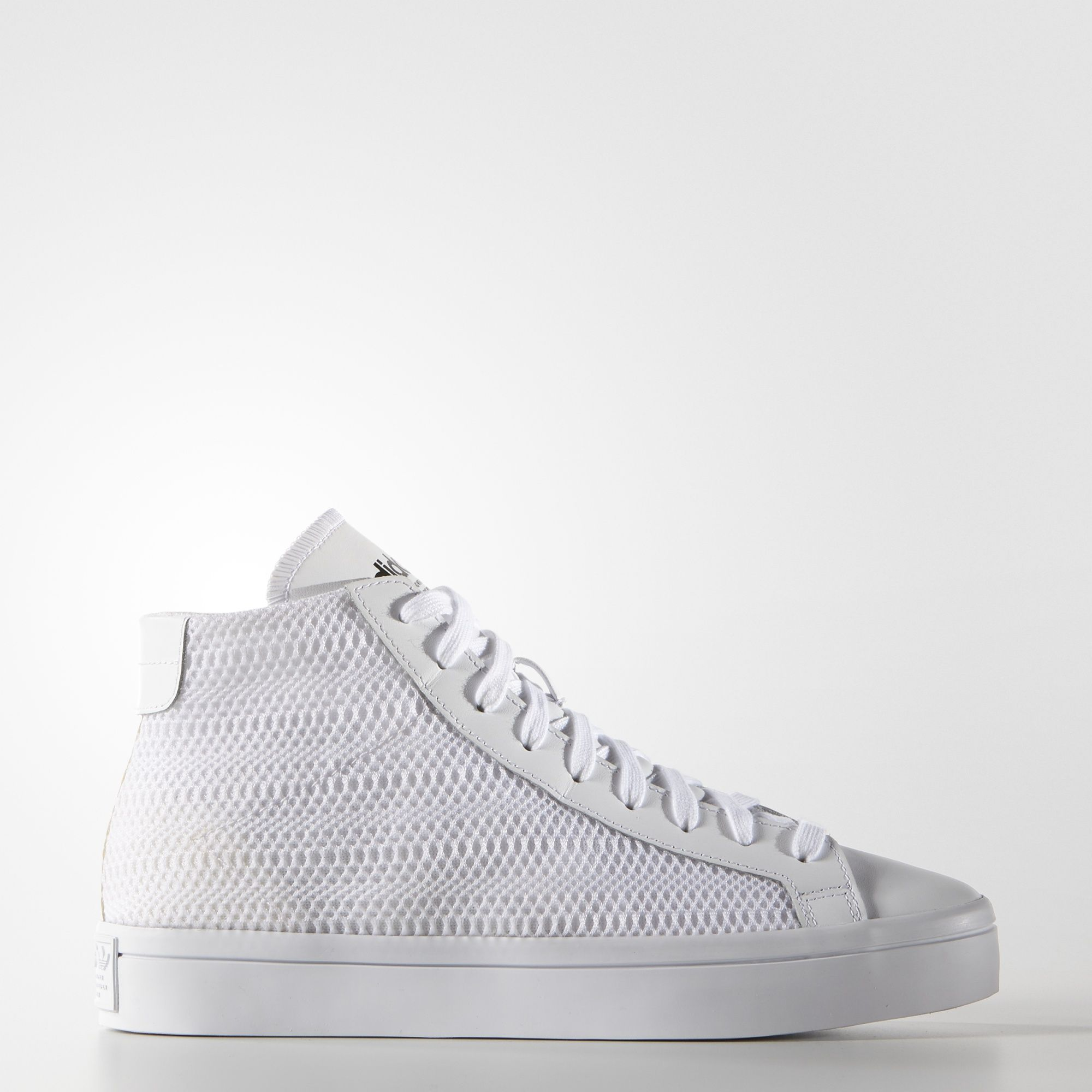 Elaborar principal llorar  Inspired by the iconic Rod Laver, the original Court Vantage shoes ...