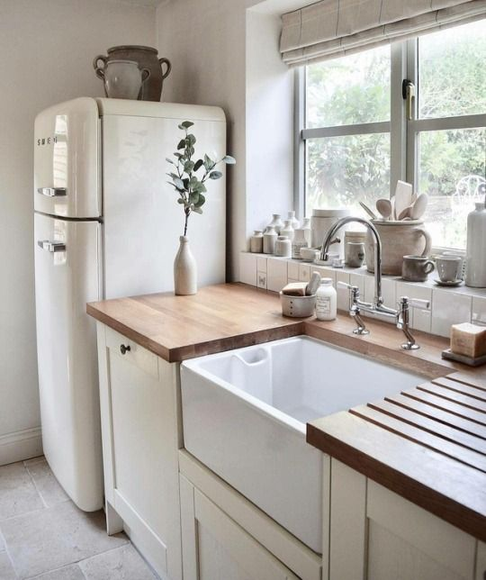 Kitchen Inspiration // Farm House Charm #tinyhousekitchens