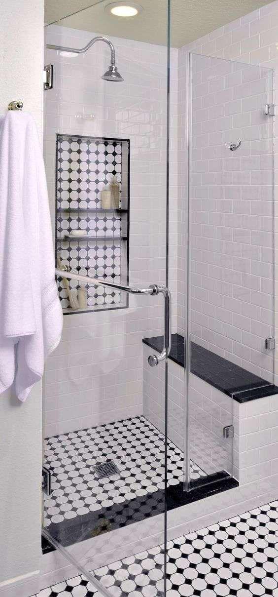 Bagno in stile liberty - Bagno con doccia | Bagno con doccia, Bagno ...