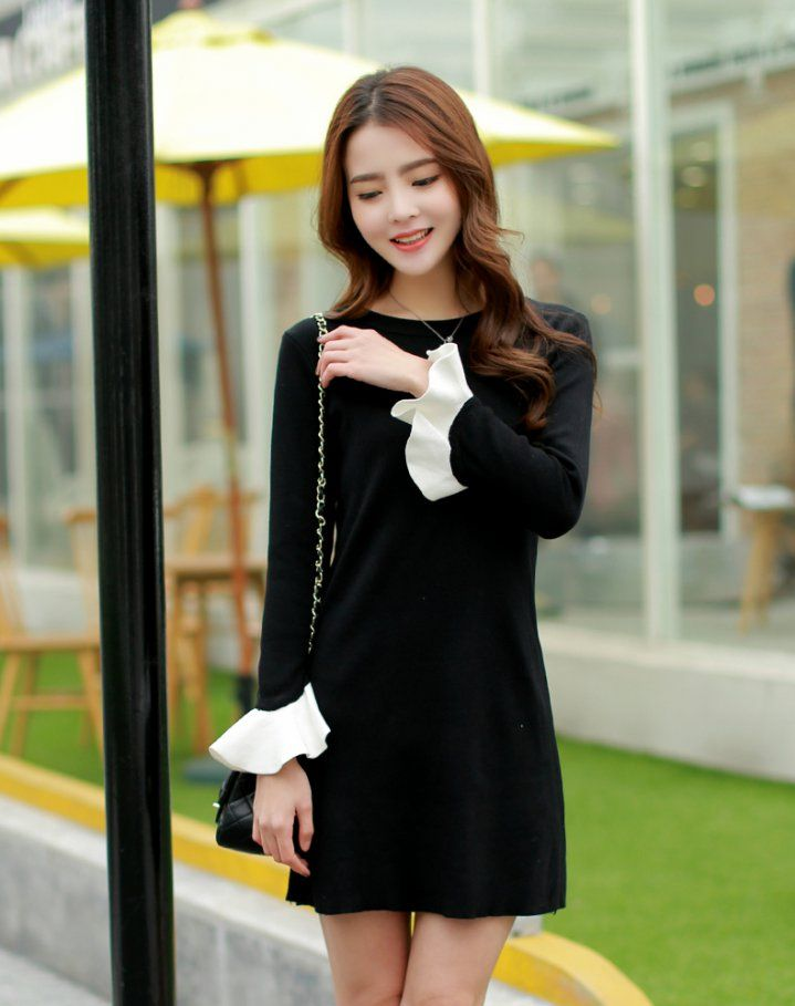 CW10071 Knitted trumpet sleeves short Korean style dress for women