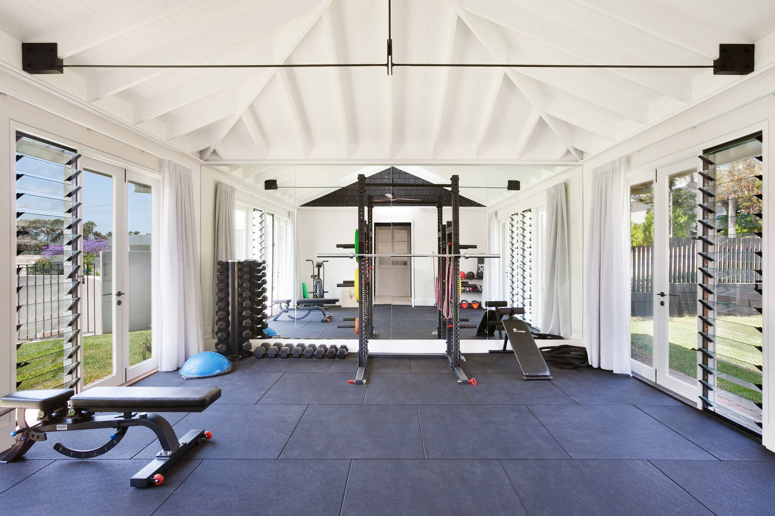 20 Amazing Home Gym Design Ideas #Home #Homedesign #Homedesignideas #Homedecorideas