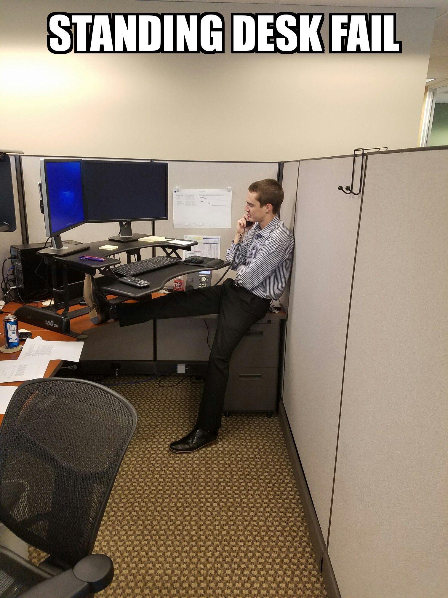 Stand-up desk fail http://ift.tt/2gZdSLC | Work ...