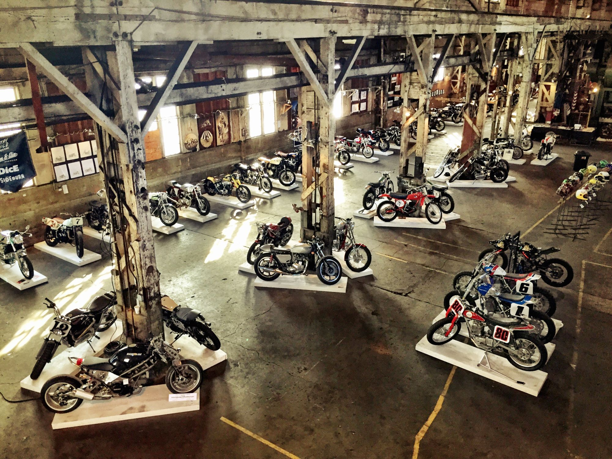 Theone motorcycle show motorcycles parts storage for Garajes vintage
