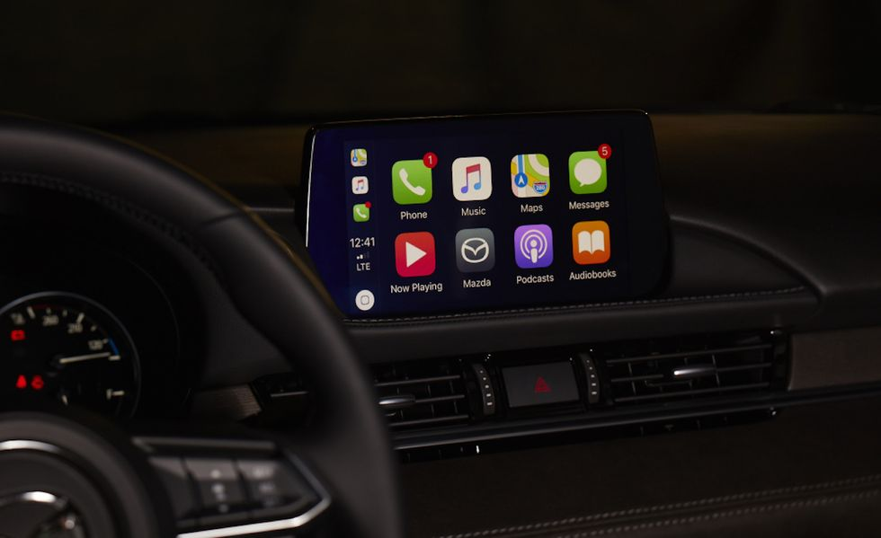Mazda Will Now Retrofit Apple CarPlay and Android Auto on