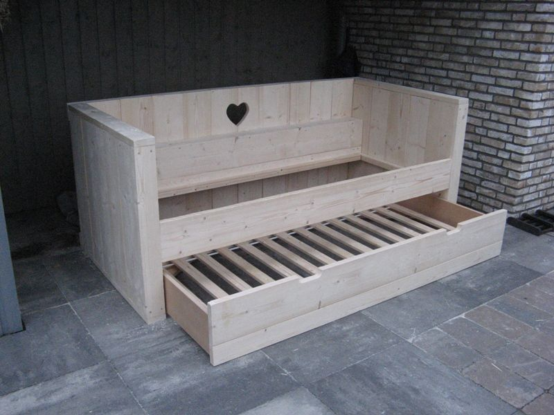 Bouwtekening voor steigerhouten bed voor 2 personen downloaden lara pinterest bouwtekening for Moderne meid slaapkamer