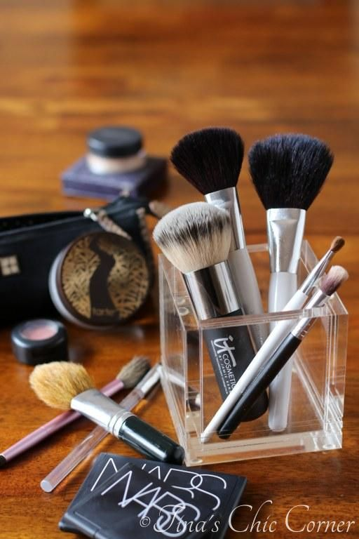 How to clean makeup brushes...what every girl needs to know! tinaschic.com