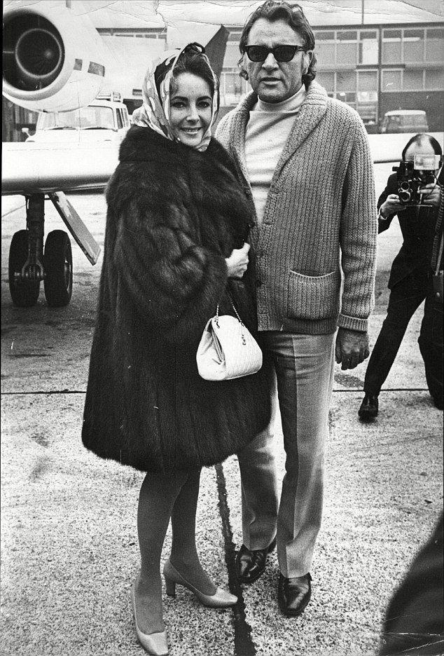 How Elizabeth Taylor Handled Jealousy Over Ex Spouse Richard Burton Elizabeth Taylor Style Elizabeth Taylor Burton And Taylor