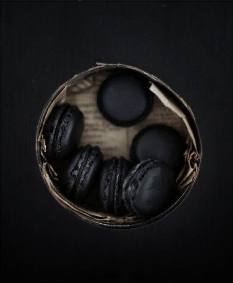 Un Amour Pour Le Noir Macarons Black Food Macaroons
