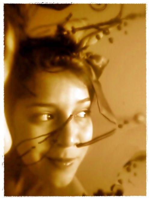 3ER REFLEJO; días en los que debato conmigo misma siendo sensata y termino siendo ambas, el oráculo pernicioso y esa hada de bosque que con fe y amor todo lo cura...