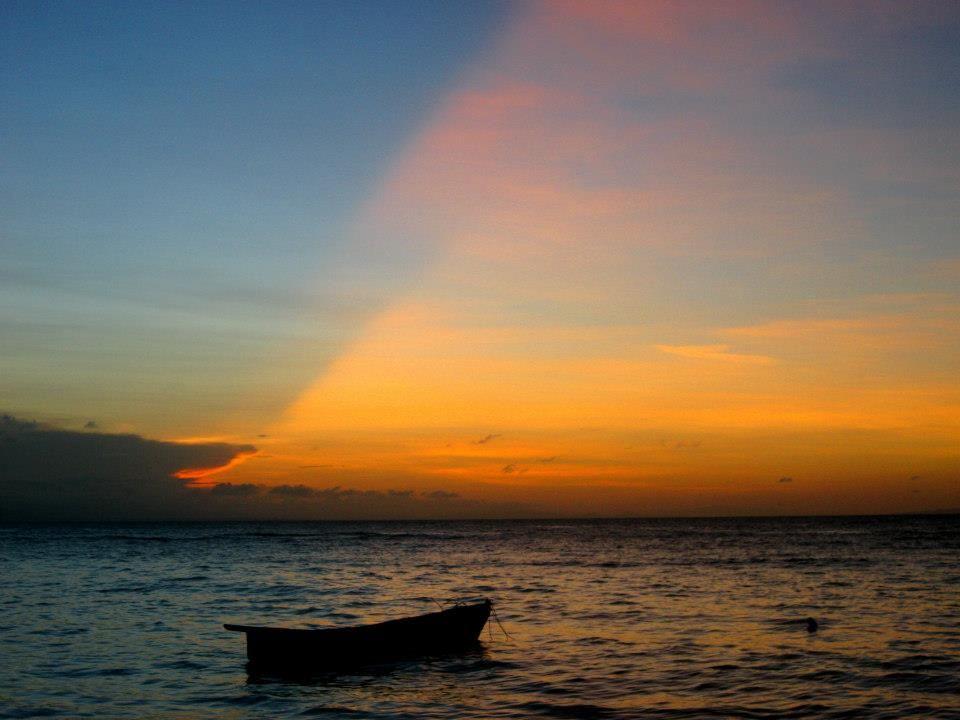 El Mar En Las Galeras En Provincia De El Pueblo De Samanà Republica Dominicana Outdoor Celestial Sunset