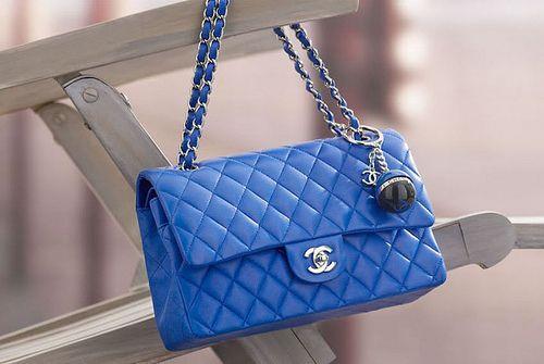 3823d7db24f67 Chanel Mademoiselle Tasche blau