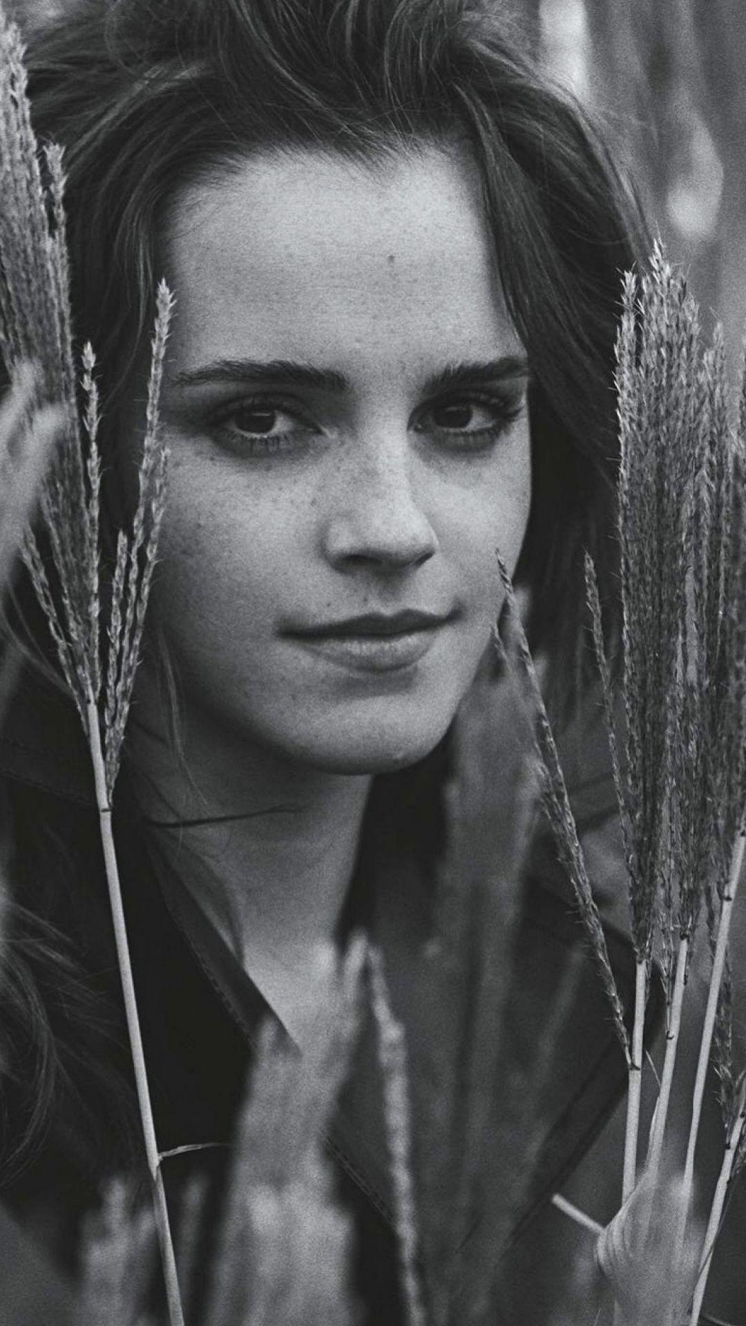Emma Watson Outdoor Monochrome Vogue Australia 1080x1920 Wallpaper Celebrity Wallpapers Emma Watson Vogue Australia