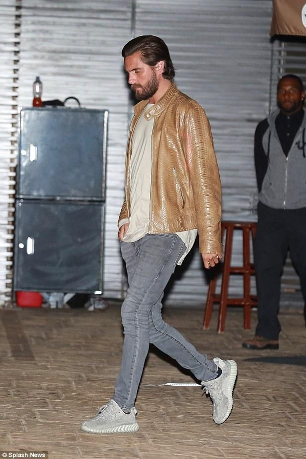 efd4c91001089 Scott Disick wearing Yeezy Boost 350 Sneakers in Moonrock